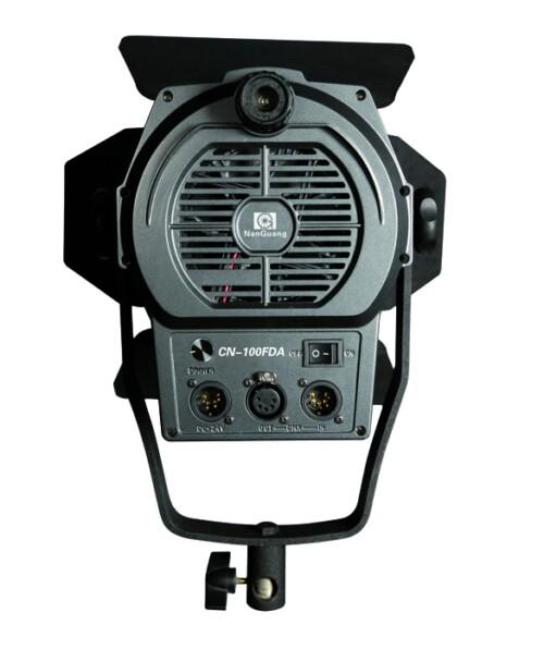Fresnel LED PRO CN 100FDA vista trasera