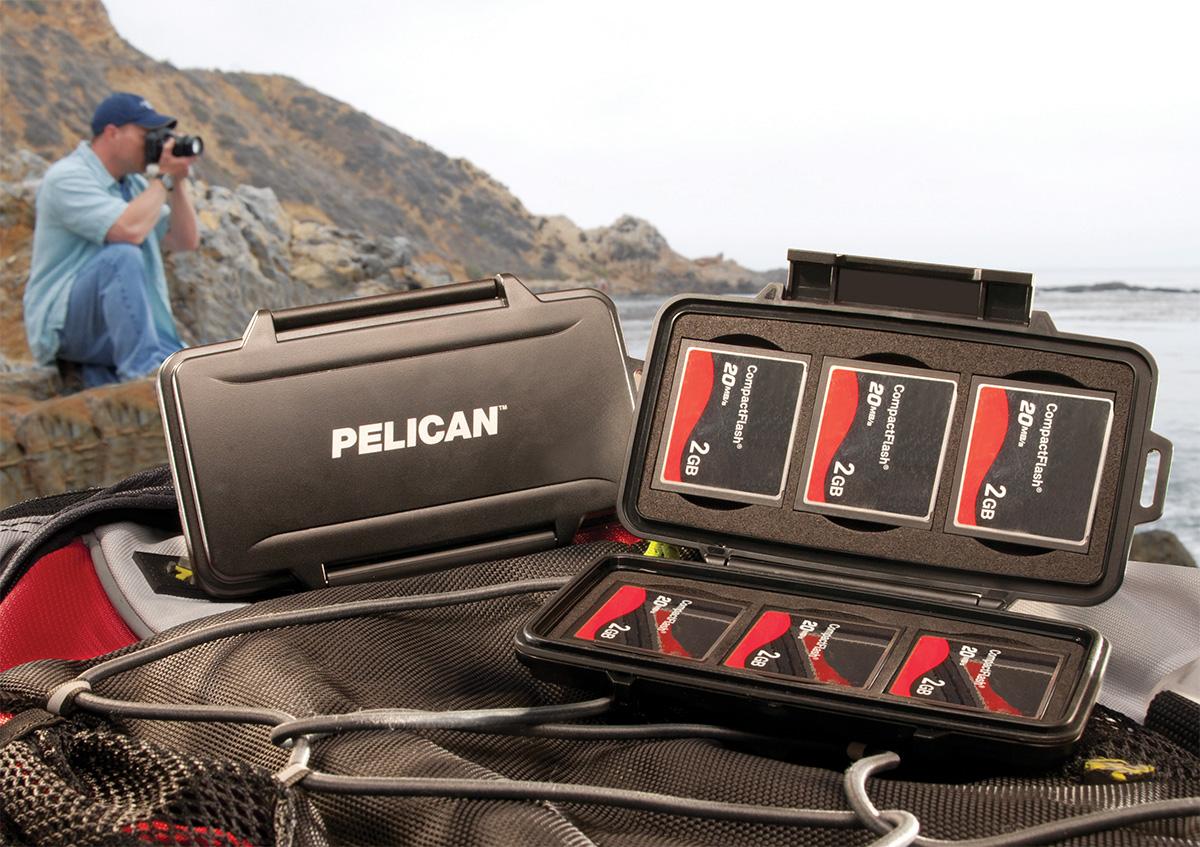 Estuche para tarjetas Compact Flash Pelican 0945 en localizaciones