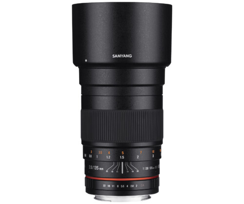 Samyang 135mm F2 ED UMC vista vertical