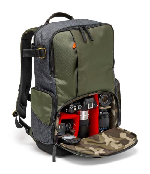 Mochila Manfrotto Street Backpack con cámara Csc de ejmplo