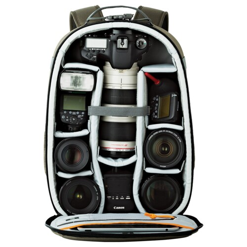 Capacidad interior Lowepro 300 AW Backpack